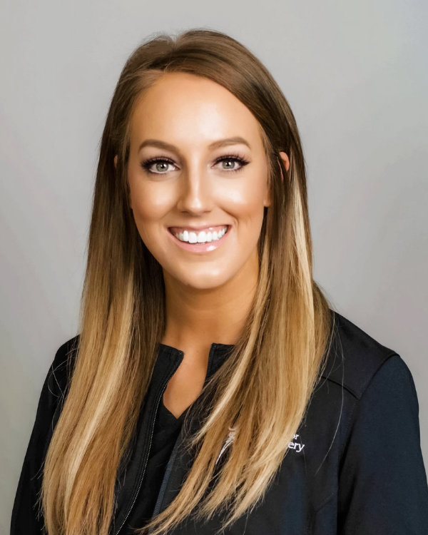whitney-wade-medical-aesthetician-springfield-mo-the-center-for-plastic-surgery-v3