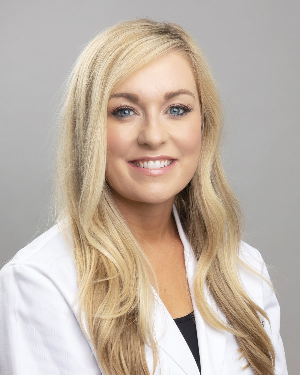kristen-cheever-fnp-the-center-for-plastic-surgery-springfield-mo-600-v2